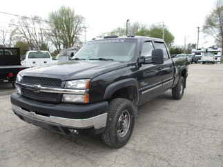 2003 Chevy 2500HD Crew Cab Short Bed LT