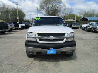 2003 Chevy  2500HD Extended Cab Short Bed LS