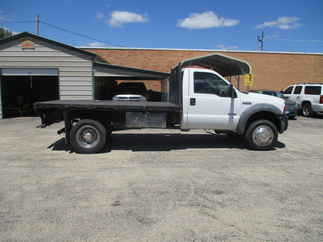 2005 Ford F550 Regular Cab Flatbed XL