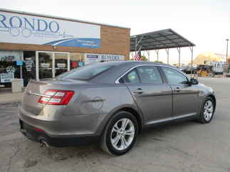 2013 Ford Taurus 4 Door Sedan   SEL