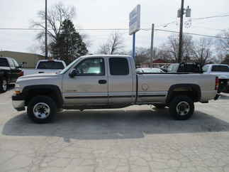 2001 Chevy 2500HD Extended Cab Long Bed Silverado
